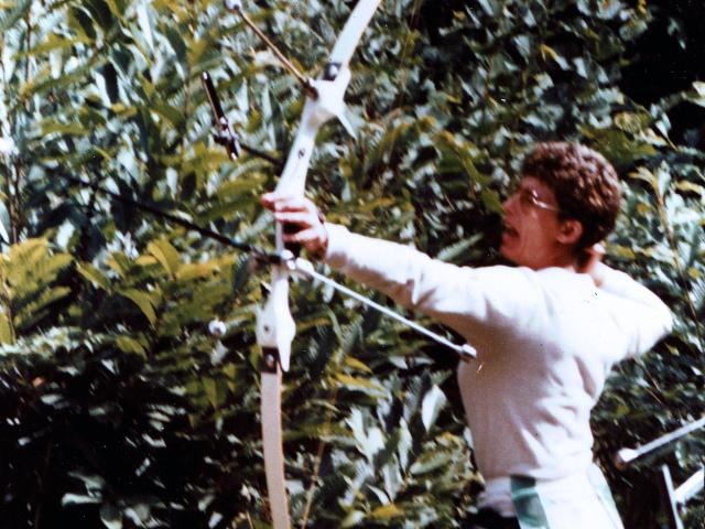 https://archers-la-croix-en-touraine.fr/wp-content/uploads/2020/11/annette-campagne-1985.jpg