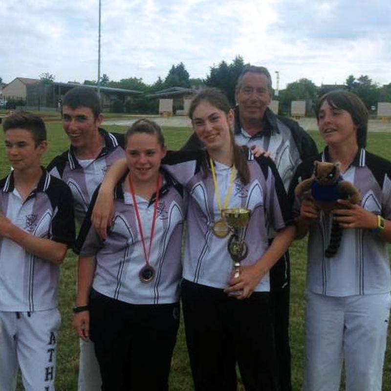 https://archers-la-croix-en-touraine.fr/wp-content/uploads/2020/12/equipe-2014.jpg
